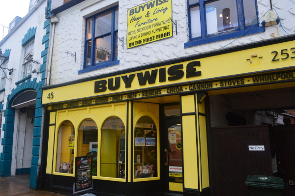 Buywise is an independent, family run retail outlet selling domestic electrical appliances, beds and furniture for over 30 years.