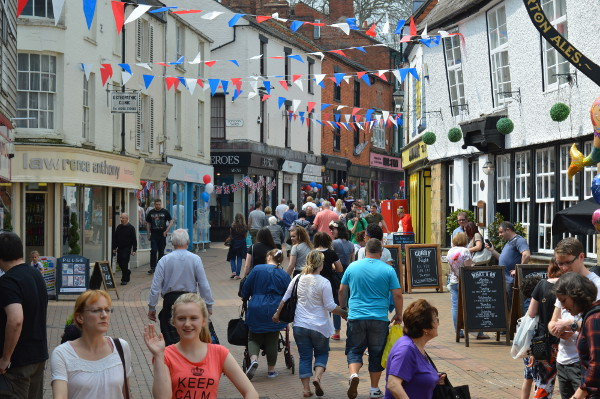 Banbury is a thriving community. Its good road and rail links make it a popular business centre, which brings employment and prosperity to the whole Banburyshire area.
