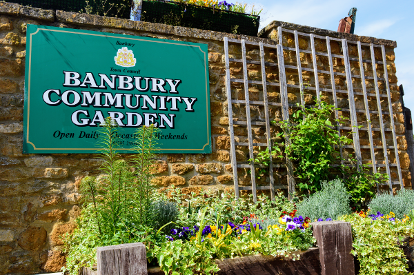Gardeners will be able to stock up their flower beds free of charge if they call at People's Park on Saturday 26 May.