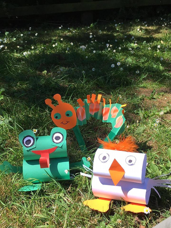 Join Banbury Museum throughout the summer holidays and make cute canal side creatures to take home.