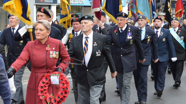 Over 300 people take part in Remembrance Day parade