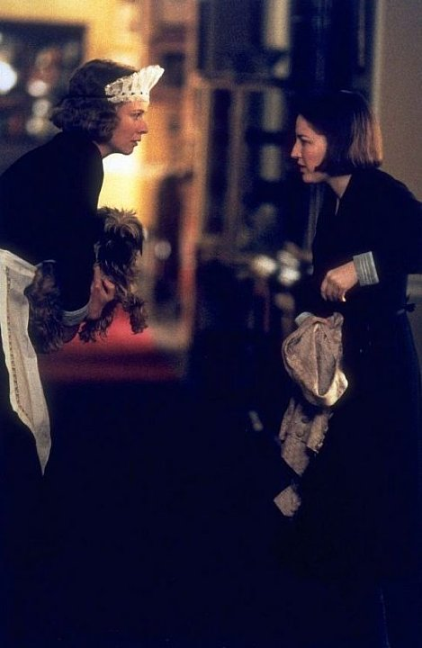 Emily Watson and Kelly Macdonald in Gosford Park (2001)