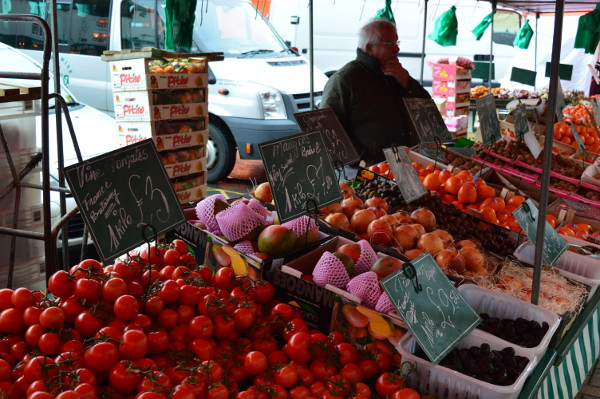 Fresh fruit and vegetables at Banbury Market