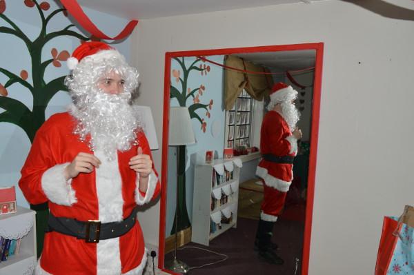 Santa drops in to Naomi's Café Bar Banbury