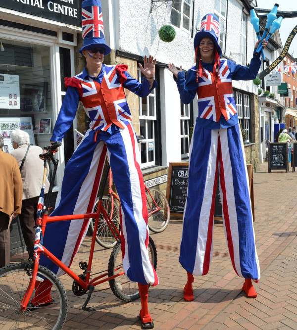 Stilt walkers amazed the crowds in Banbury