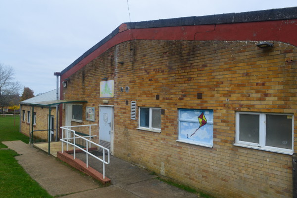 The delivery of a new youth centre in Banbury's Bretch Hill area has moved a step closer.
