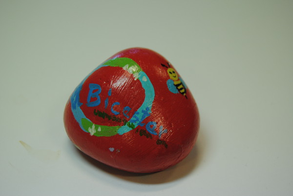Healthy Bicester, Bicester Rocks Group and Grassroots Bicester have launched Bicester Rocks – The Kindness Rocks Project