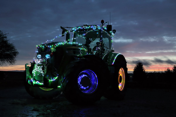 Tractors prepare to light up the streets for Christmas!