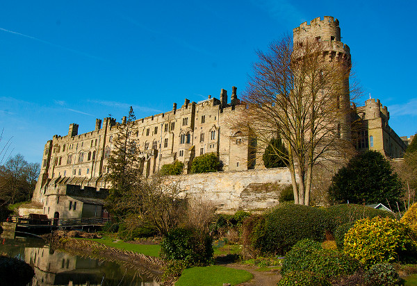 Warwick castle built by William the Conqueror in 1068