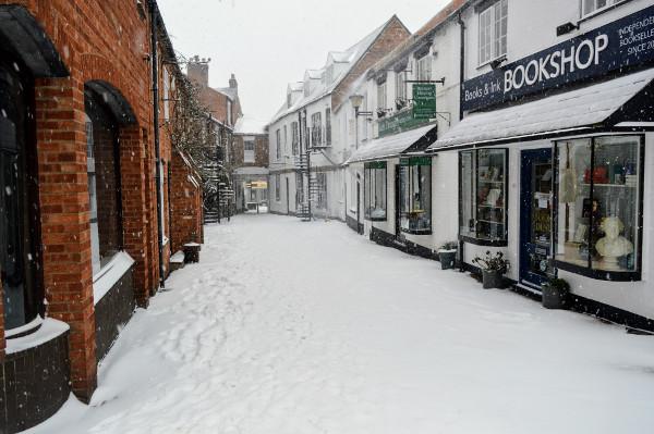 White Lion Walk Banbury in the snow.