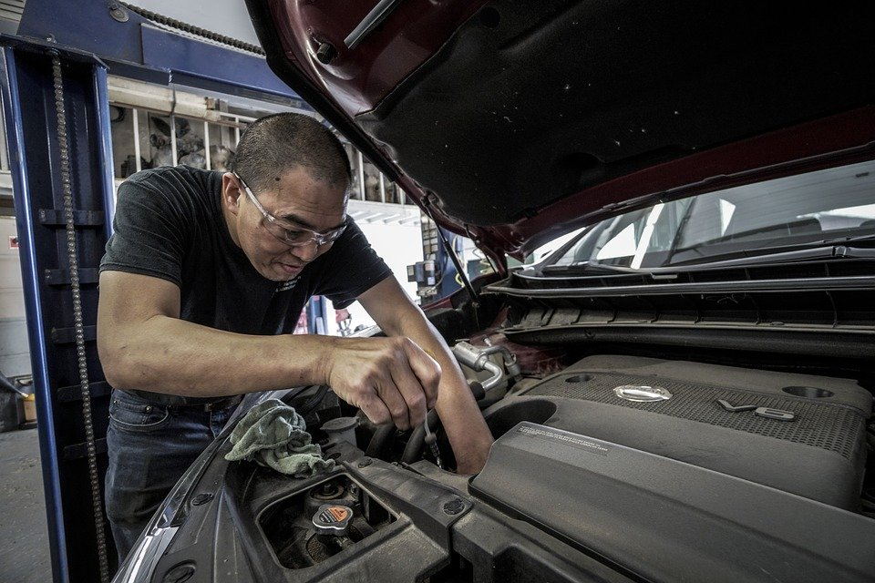 If you are looking for a professional car repairs professional, then this is for you.